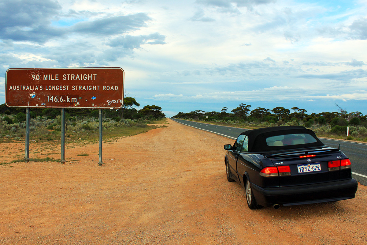 australias-longest-road-90-mile-straight